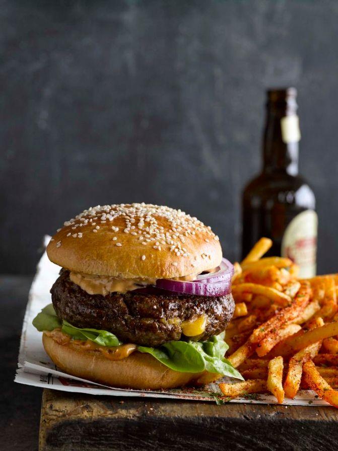 cheesy-licious burger 4