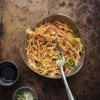 Hakka Noodles – Incredible yummy treat for the taste buds..!!