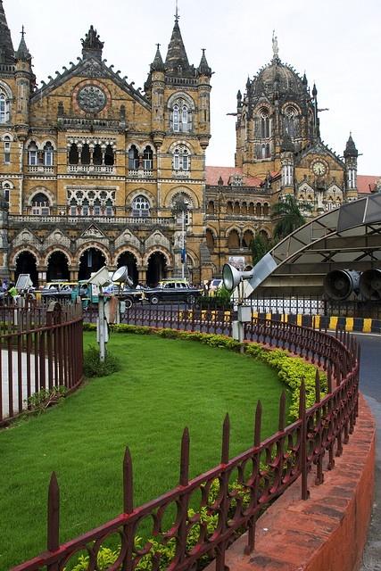 Mumbai modern architecture 3