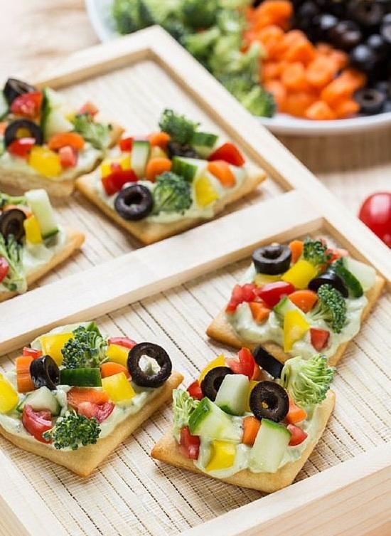 Crunchy And Cheesy Vegi Delight Pizza Red Salt