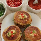 Kutchi Dabeli – A Popular Snack of Kutch in Gujarat
