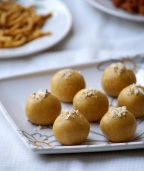 Instant Besan Ladoo Recipe to Try in Your Microwave Today