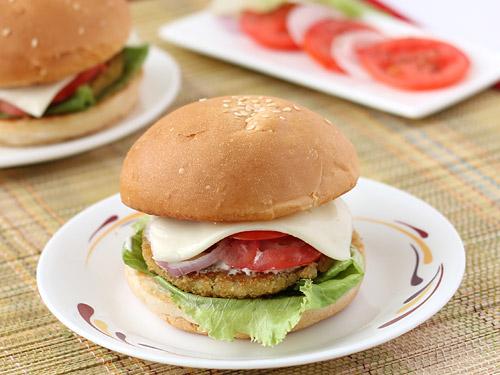 Aloo Patty Burger.jpg